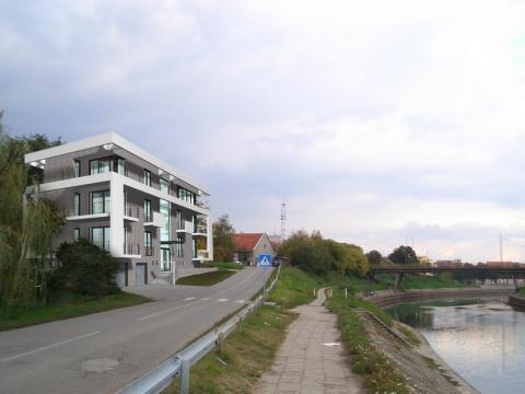 Zgrada #06